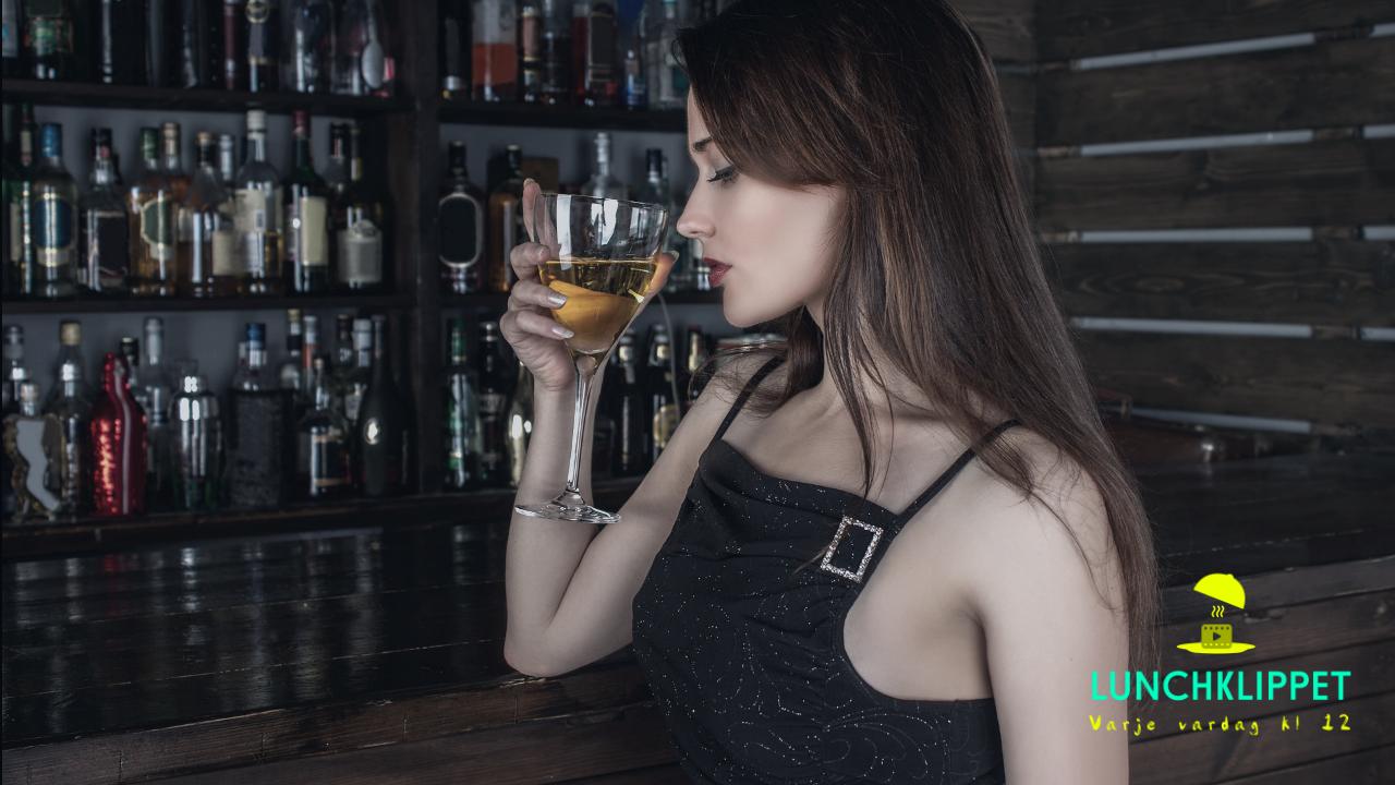 Känner du igen dig i det här klippet? Då kanske du bör dricka mindre vin!